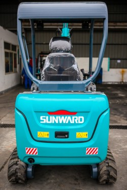 Мини багер SUNWARD SWE20B