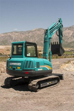 Compact Excavator SUNWARD SWE80B