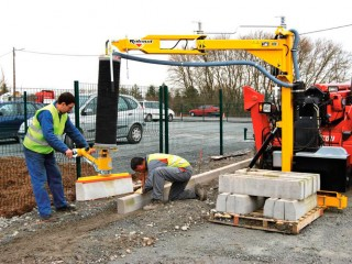 Kerbstone edging layer with vacuum : POSE BORD'AIR