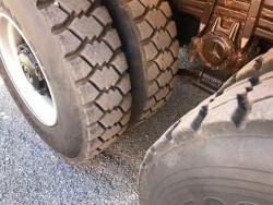 Снегорин с песъкар Mercedes Actros 3332