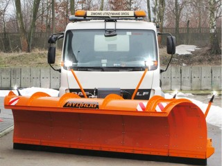 PLA Highway snowploughs with hydraulic extension