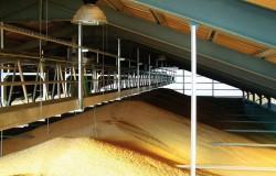 Системи за складиране и претоварване на насипни товари